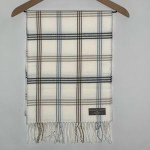 NWT D&Y Cream Plaid Softer then cashmere scarf